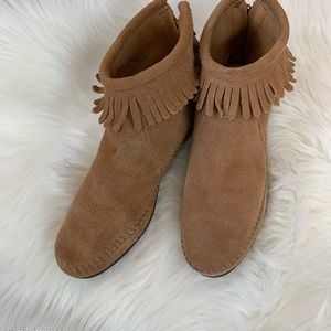 Shoes - Tan suede moccasin booties with fringe size 10